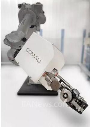 为造福汽车制造业,柯马强势推出智能滚边工艺